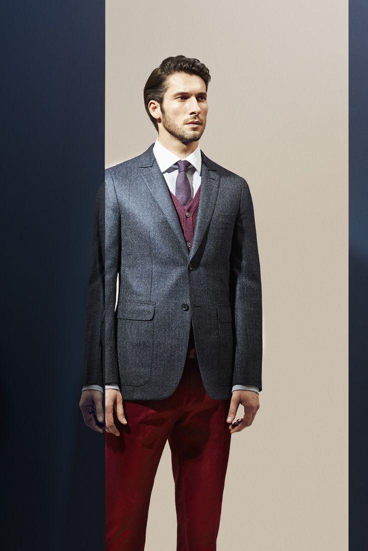 Veste deux boutons laine, soie et cachemire bleu minéral. Photographe : Alexis Armanet Mannequin : Alban Rassier