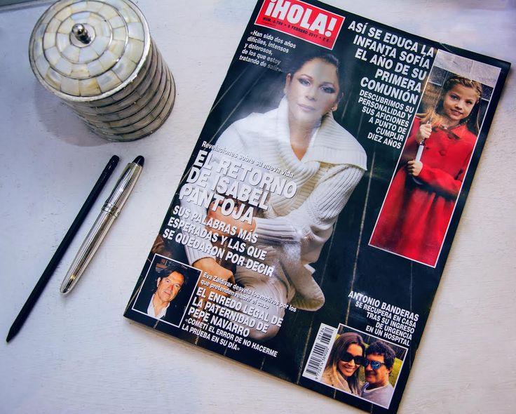 Nos hace mucha ilusión que la Revista HOLA haya recuperado para la portada de esta semana el estilismo que preparamos desde Villarrazo a Isabel Pantoja.  http://www.villarrazo.com/
