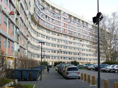 Doin it for the streets: En banlieue