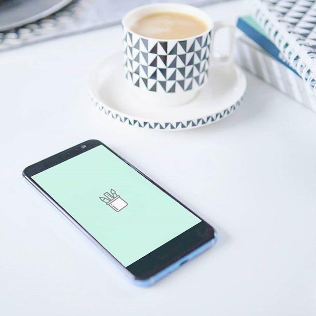 Lubicie estetyczne konta na IG? Wy też możecie takie mieć dzięki ikonom-planszom do pobrania na moim blogu www.jestrudo.pl  Wszystko dokładnie opisałam w najnowszym artykule więc zamiast się powtarzać życzę Wam cudnego dnia!!! Wpadajcie na rudy blog w wolnej chwili. Całusy  . . . #coffeeshots #coffeetime #smartphone #htcu11 #ikony #instaikony #dopobrania #free #freebies #desk #white #light #homeoffice #phone #icons