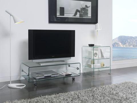 El gusto por las transparencias también llega al hogar. Si eliges muebles de cristal ganarás en sensación de amplitud y luminosidad.    #DugarHome #decoración #hogar #interiores #cristal