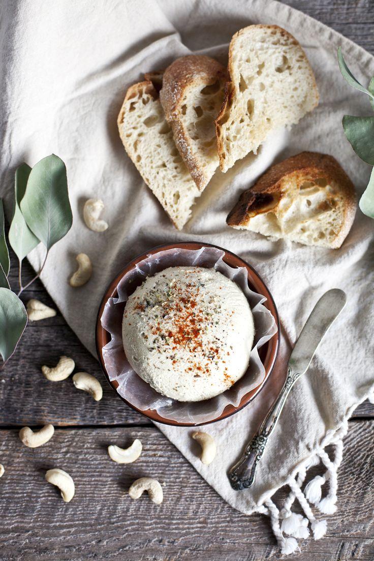 «Fromage» de cajou au basilic frais © Emiliemurmure