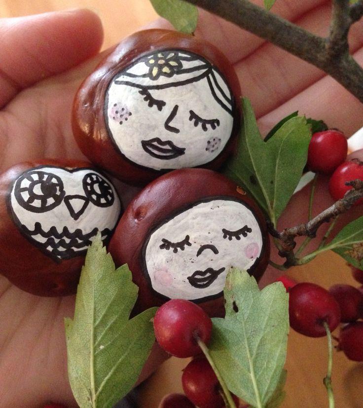 Basteln mit Kastanien - wunderbare Kastaniengesichter aufmalen. Chestnut DIY - making little chestnut people.