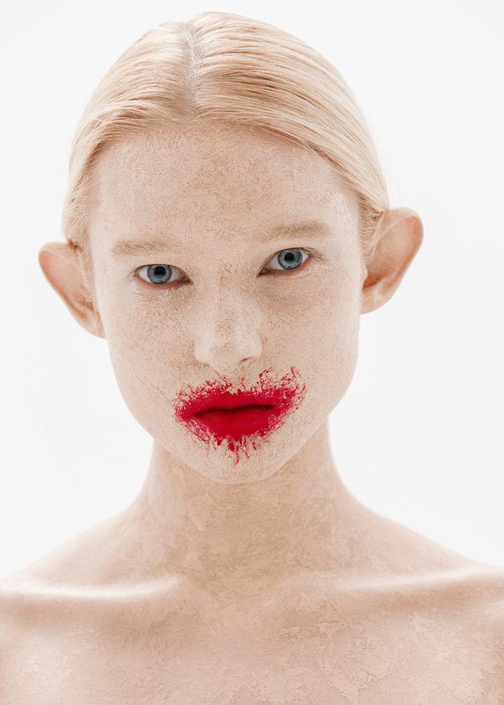 Съемка: макияж как на панно станции метро «Белорусская»