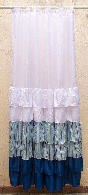 Cortina con volados azul y verde a rayas! Shower curtain