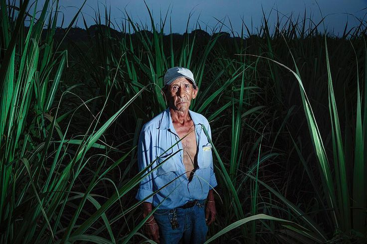This #sugarcane worker who has worked in the fields of Chichigalpa, #Nicaragua for 25 years suffers from #ChronicKidneyDisease. I'll be sharing this work @visapourlimage in #Perpignan, #France this week. #visapourlimage #visapourlimage2017 #photojournalism #documentary #reportage #edkashi #viiphoto #CKD #CKDu #CKDnT @viiphoto