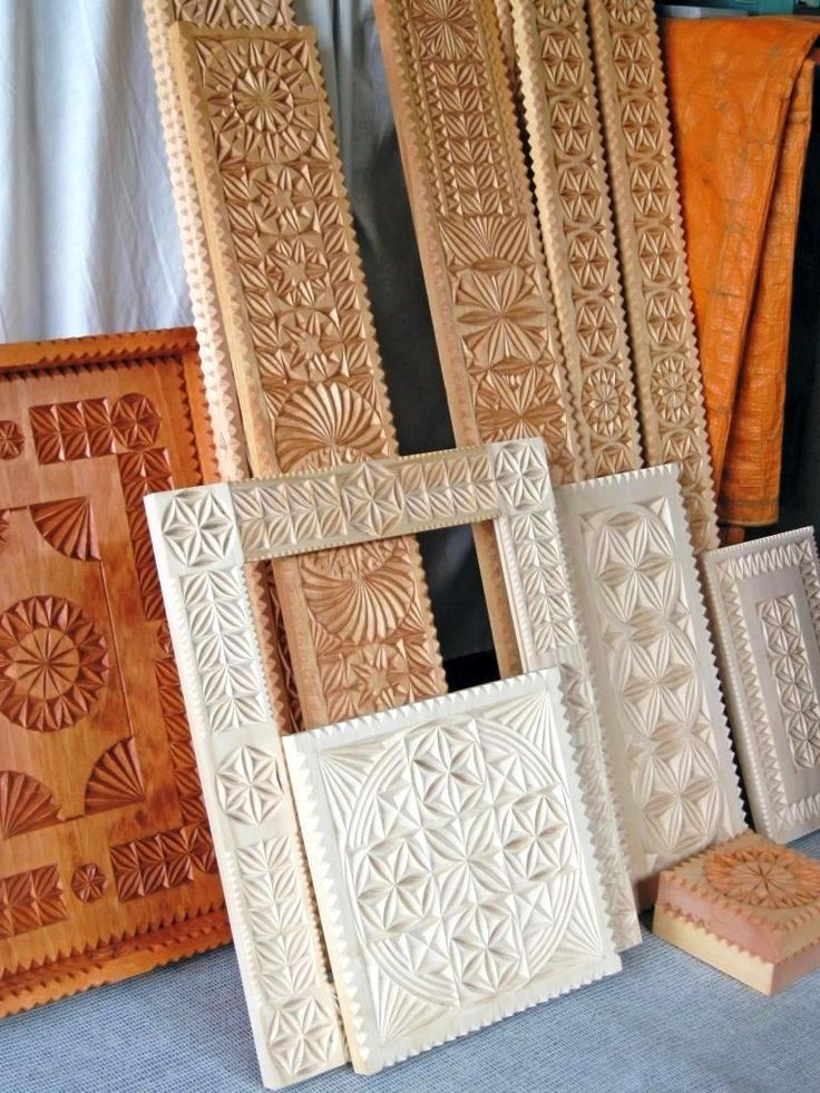 Carved wooden picture frame icon shelves serving tray