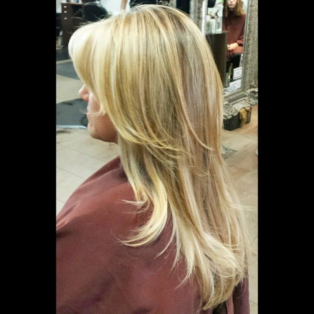#mulpix warm blonde...highs  #flashlift and 30vol lows  #shadeseq 7nb 8wg  #redken  #redkenobsessed  #colorist  #color  #haircolor  #hair  #hairpainting  #highlights  #blondehighlights  #balayage  #blonde  #behindthechair  #modernsalon  #americansalon  #beautylaunchpad  #americansalon  #hairbrained  #angelofcolor