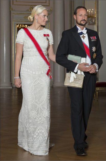 Prince Haakon and Princess Mette-Marit of Norway. Dîner de gala en l'honneur des parlementaires en Oslo.