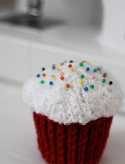 Knitting Pattern Pin Cushion : 17 Best images about Knitting on Pinterest Knitting, Pin cushions and Circu...