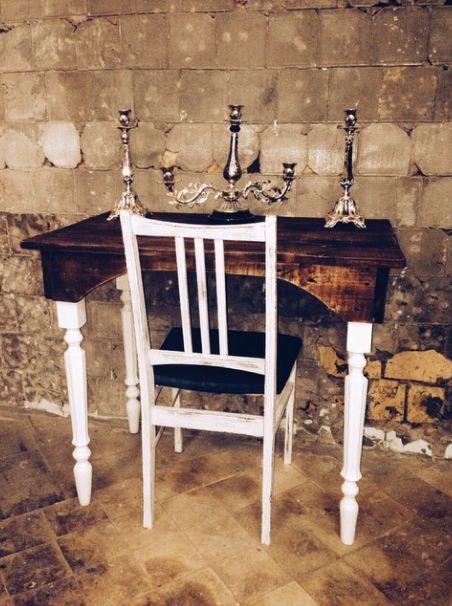 Одна из наших саааамых первых работ. Письменный стол из массива сосны. 1,2х0,7 и отреставрированный стул. 7 рабочих дней #furniture #table #chair #interior #reclaimed #wood #handmade #vintage #rustic #joymanufactory #restoration