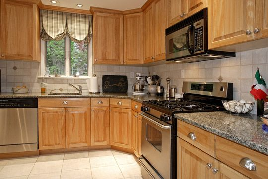 Split level kitchen layout home kitchen pinterest - Kitchen designs for split level homes ...