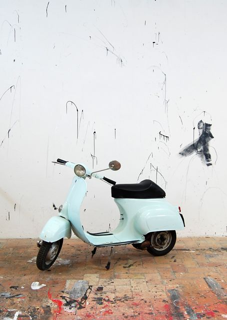 Vespa 1964 - so cute!  This is what I will drive when I move to my cottage by the sea