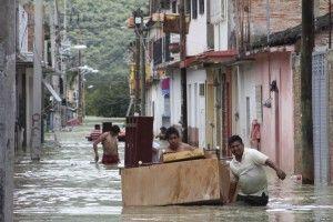 Korban Badai di Meksiko Hampir Mencapai 100 Orang - Bilang Siapa