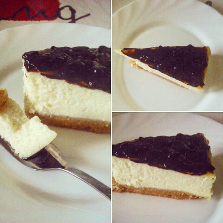 Cheesecake and chocolate glaze