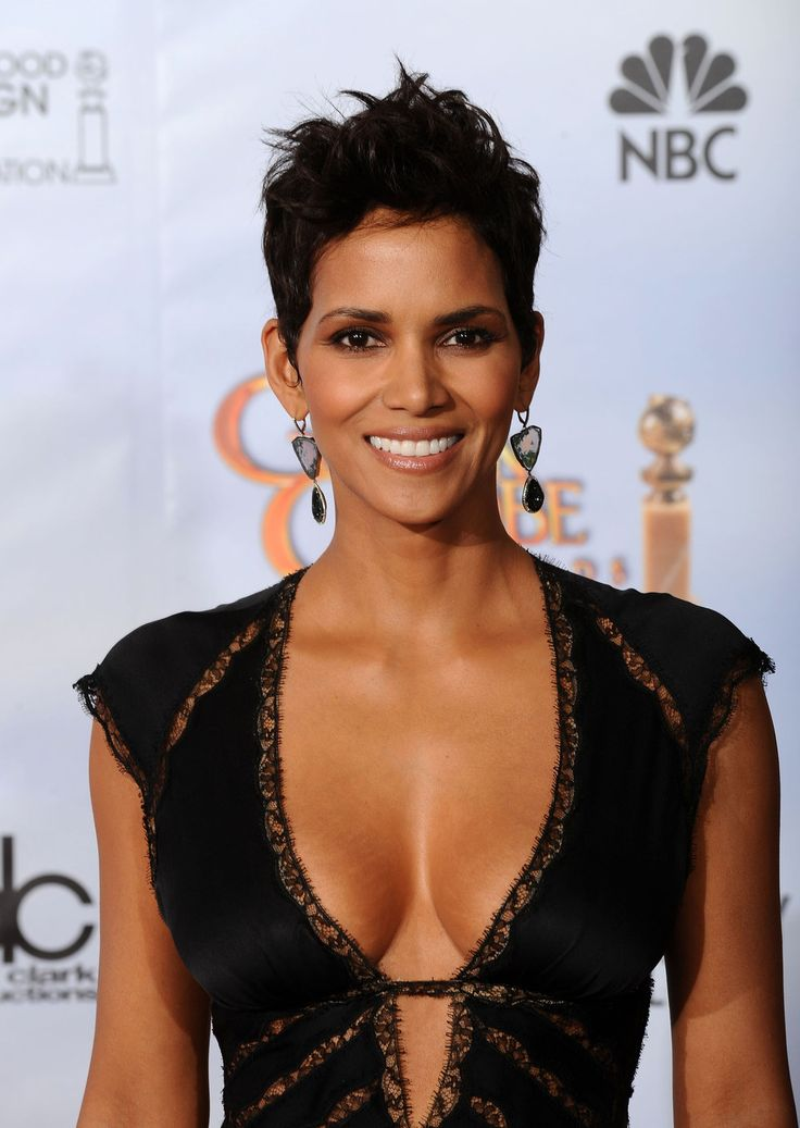 Halle Berry For more visit: www.charmingdamsels.tk