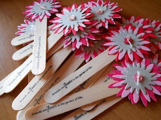 """bookmarks/segnalibri: """"friends are flowers in the garden of life"""""""