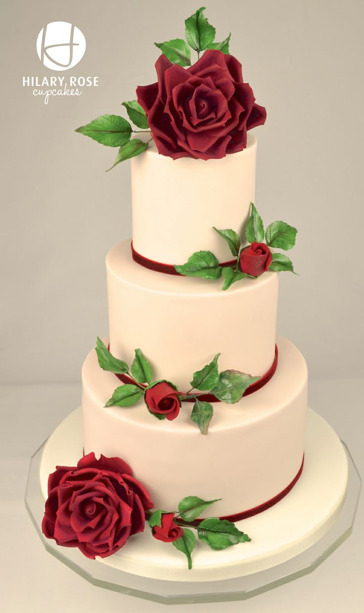 round wedding cakes with red roses 1000 ideas about wedding cakes on 19339