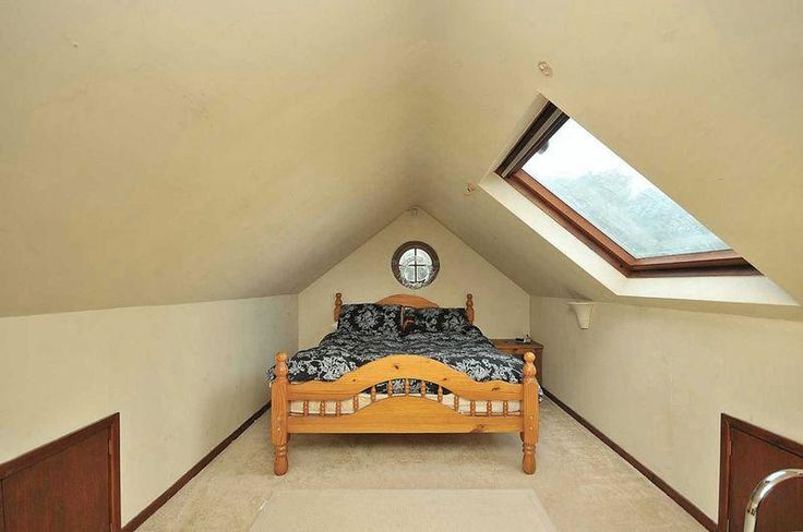 10 best images about low roof loft conversion ideas on for Bedroom ideas low ceiling