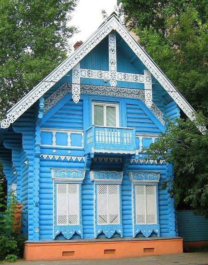 Russian wooden house in Moscow. #Russian #wooden #house