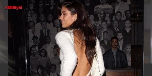 Sara Sampaio arkasını dönünce...: Geçtiğimiz hafta Erkek Moda Haftası'nda podyuma çıkan Sara Sampaio, işe küçük bir mola verdi. California'da bir mekanda görüntülenen güzel model, önce sade görüntüsüyle dikkati çekti. Kot ve sade beyaz bir kazak giyen 25 yaşındaki güzel, arkasını dönünce ise herkesi büyüledi. Zira Sampaio, deri...