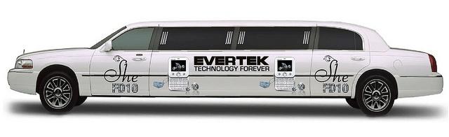 Evertek sort le grand jeu et balade son modèle FD10 diamanté par le joailler Swarovski tout l'été 2010 !  Le luxe a l'état pure, accessible pour tout le monde