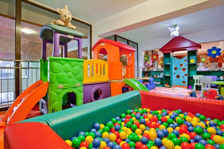 Wiemy jak rozpieszczać pociechy naszych Klientów. Dziecięce menu, plac zabaw da dzieci, hotelowa niania i wiele więcej... :) #dziecko #atrakcje #atrakcjedladzieci #placzabaw #hotelklimek #muszyna