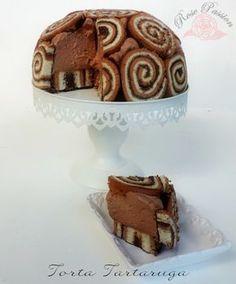 La Torta Tartaruga con girelle è bella da vedere, simpatica ed è un'idea originale da presentare durante le feste di compleanno dei vostri bambini.