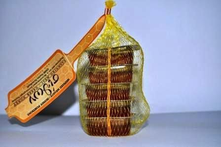 ΜΕΛΙ HORECA Μερίδα 20 γρ. σε πλαστικό κουπάκι. Μερίδα 30 γρ. σε γυάλινο βαζάκι. Διχτάκι με 5 μερίδες των 20 γρ. Κασετίνα με 3 μερίδες των 30 γρ. Ελληνικό μέλι ΣΙίθων σε συσκευασίες των 27 κιλών, 13 κιλών και 7 κιλών.