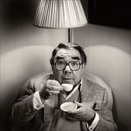 Small comedian: Ronnie Corbett (with small cup of tea)