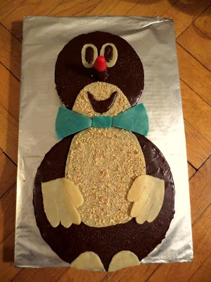 little mole cake that my friend made for my birthday. awesome. <3
