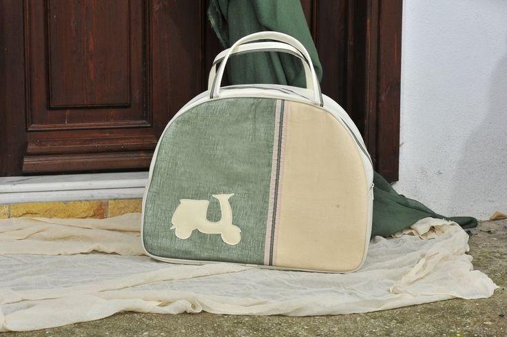 Ημικυκλική τσάντα βέσπα