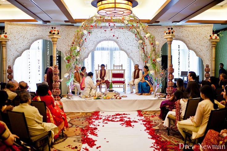 Drew Newman Photographers captures a beautiful Indian Wedding at the Emory Conference Center Hotel in Atlanta, Georgia.