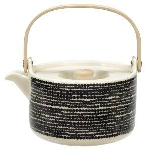Siirtolapuutarha teapot from Finnish Marimekko.