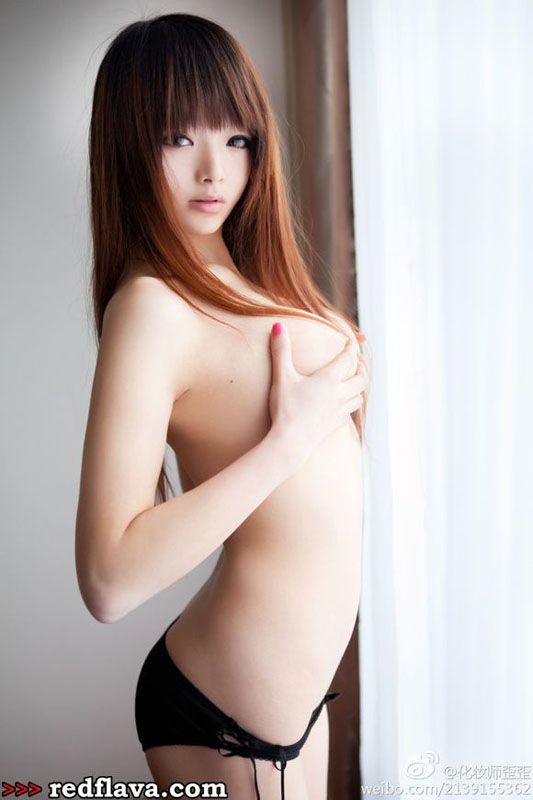 Li Ling - Sexy New Asian Babe Wai Wai