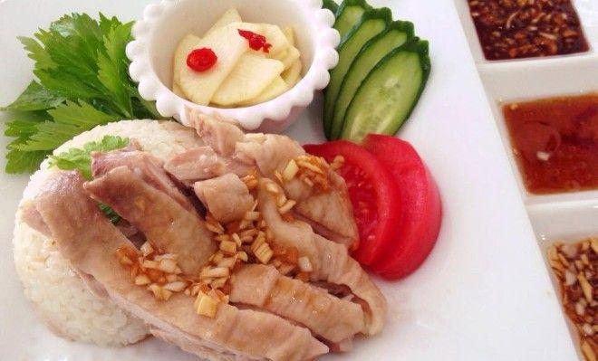 炊飯器に放り込んでピッ!海南鶏飯(シンガポールチキンライス)