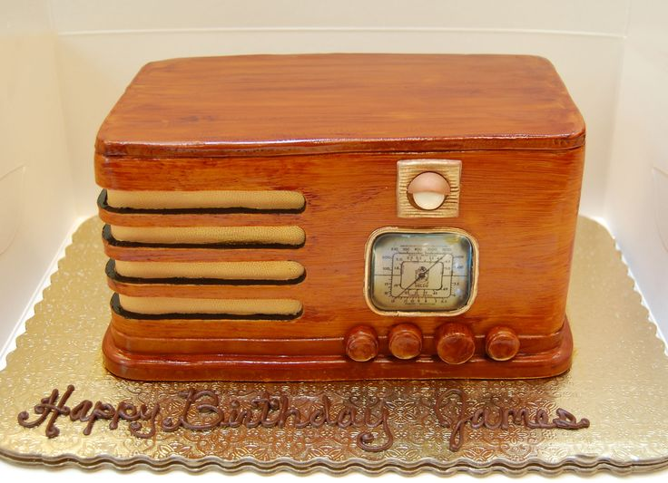 Vintage Radio Cake   #happybirthday #vintageradio #birthday #cake #sweetlifepatisserie