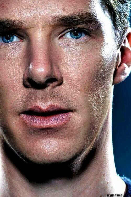 Benedict Cumberbatch, blue eyes
