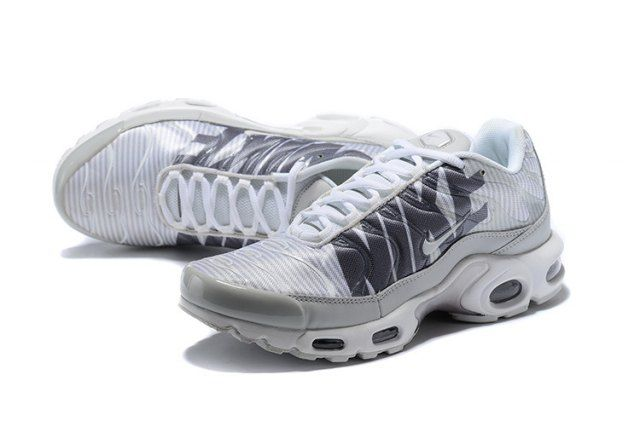 brand new f7a55 1a500 Original Nike Air Max Plus TN Striped Pure Platinum Dark Grey White Wolf  Grey AT0040 003 Sneakers Men's Running Shoes