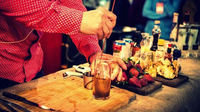 @LaRural_BsAs presenta Mucho Gusto Drinks & Food   Del 8 al 10 de septiembre tendrá lugar en La Rural la primera edición del festival Mucho Gusto Drinks & Food  La Rural presenta la primera edición de Mucho Gusto Drinks & Food. Durante 3 días viernes 8 (de 18 a 24 hs.) sábado 9 (de 13 a 24 hs.) y domingo 10 (de 13 a 22 hs.) el Pabellón Azul de La Rural será el escenario donde exclusivas marcas de bebidas exhibirán sus novedades. Con el propósito de atraer a un público joven dinámico e…