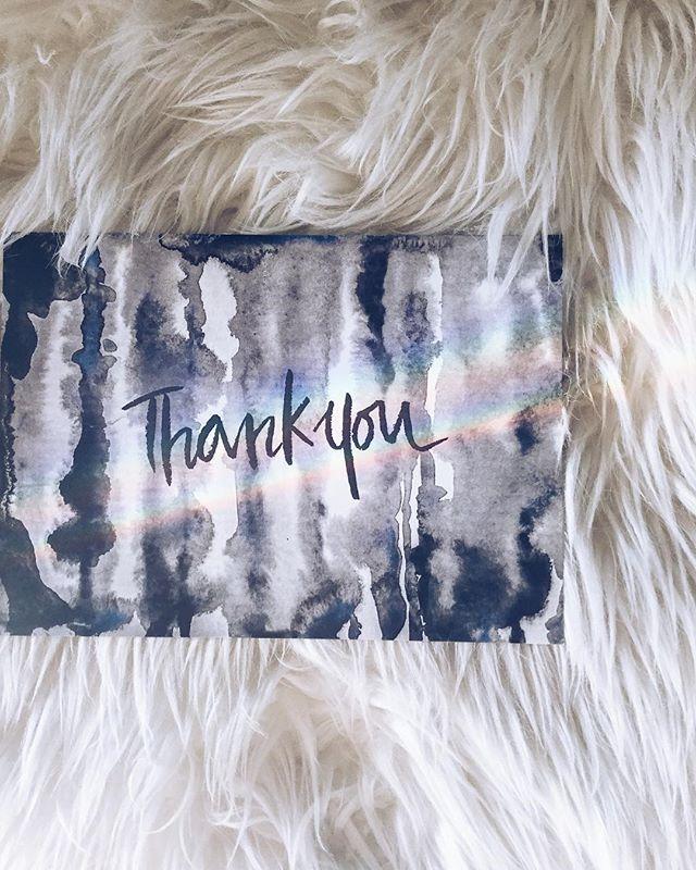 Muestra tu agradecimiento con nuestro tarjeta de saludo! 🙏Tarjeta de saludo con sobre blanco-Valor: $2.000Medidas: 12 x 18 cm Envíos a todos Chile