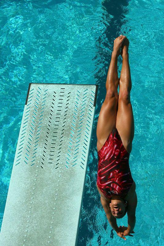 6 Types of Springboard and Platform Diving: Reverse Dives