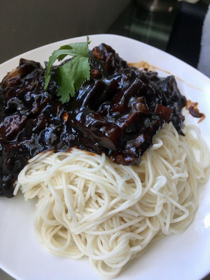 [Homemade] Korean Black Bean Noodles (Jjajangmyeon)