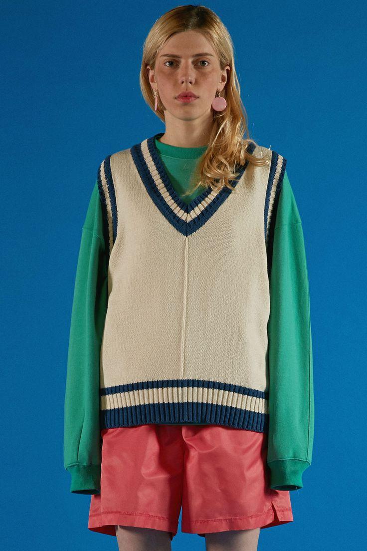 Navy&ivory V-neck knit vest styling www.adererror.com #ader#fashion#brand#wit#mixmatch#styling#editorial#lookbook#image#photo#photography