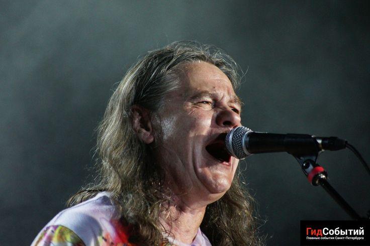 6 июля в клубе «Aurora Concert Hall» состоялся концерт любимой питерской рок-группы «Чиж & Со».
