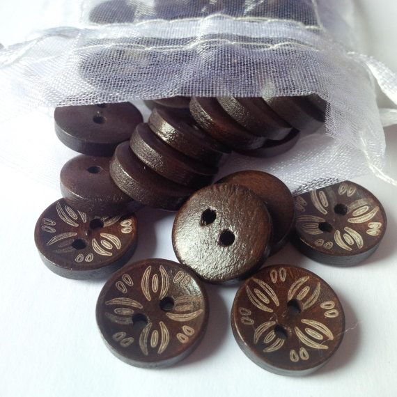 Flower Buttons  Wooden Buttons  Flower Petal by TradingExchange, $1.50