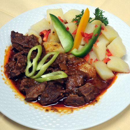 Egy finom Őzpörkölt vadász módra ebédre vagy vacsorára? Őzpörkölt vadász módra Receptek a Mindmegette.hu Recept gyűjteményében!