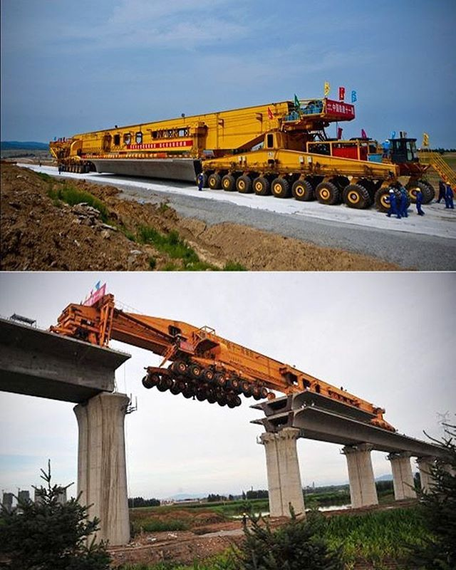 Damn, this thing is crazy. Bridge building. #equipmentoperator #heavyequipment #bridge #bridgebuilding