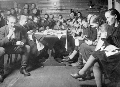 Ompeluseura Young People's Sewing Club Viitasaari Finland 1930's