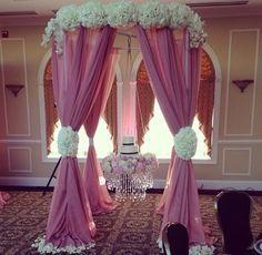 suspended wedding cakes | Wedding Reception: Suspended Wedding Cakes - Aisle Perfect